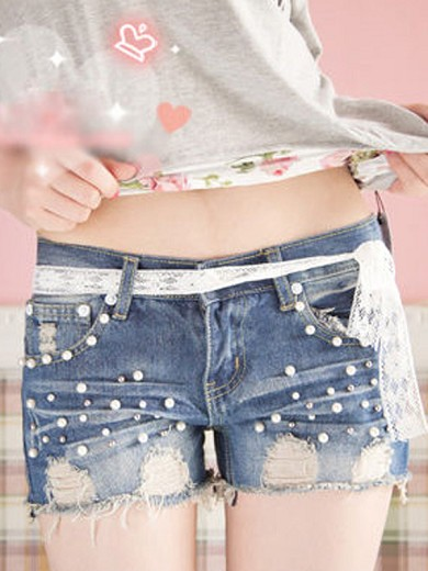 2012春夏新款韓版時尚珍珠破洞裝飾蕾絲系帶時尚女牛仔短褲 Y031698